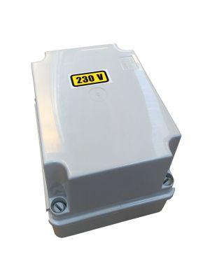 Trasformatore in cassetta 200 VA uscita 12 V per fari e illuminazione piscina