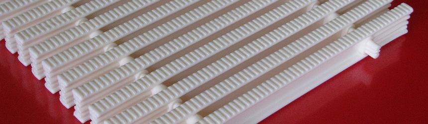 Griglia rigida rettilinea Patentverwag per piscina a sfioro